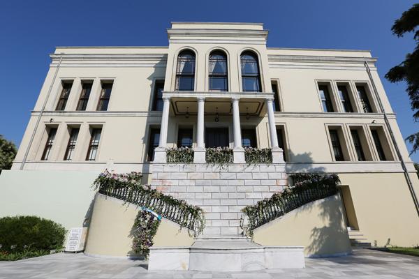 Hayali kurulan bahar düğünleri Adile Sultan Sarayı'nda gerçek oluyor!