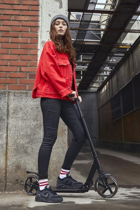 Şıklığınızın Tamamlayıcısı Sneaker'lar In Street'te!